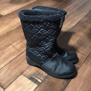 Totes Jonie Black snow boots size 8 women's